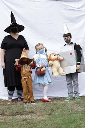 Halloween Spooktacular Family/Group Costume Contest Wizard of Oz